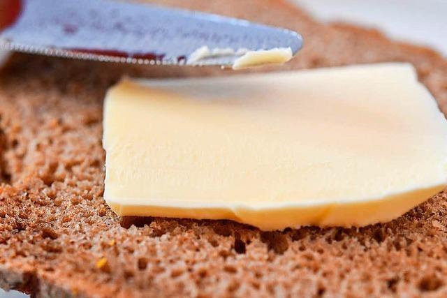 Warum ist manche Butter auch kalt noch streichzart?
