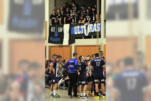 Die Handballer des TuS Schuttern werden lautstark von Ultras unterstützt