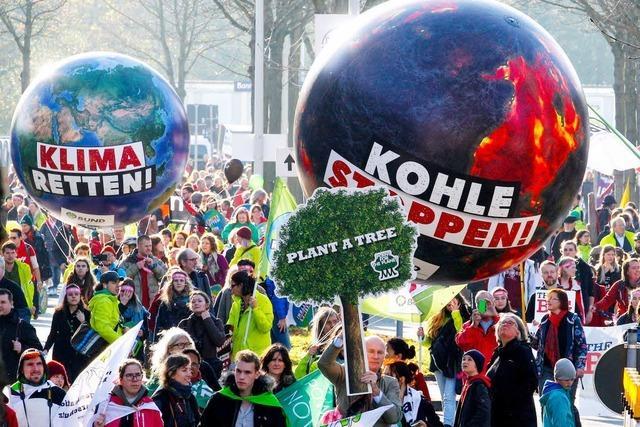 Klimaschützer demonstrieren beim UN-Gipel in Bonn