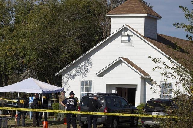 Ex-Soldat erschießt 26 Menschen in einer Kirche in Texas