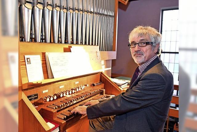 Die Zuhörer sangen zum Orgelspiel