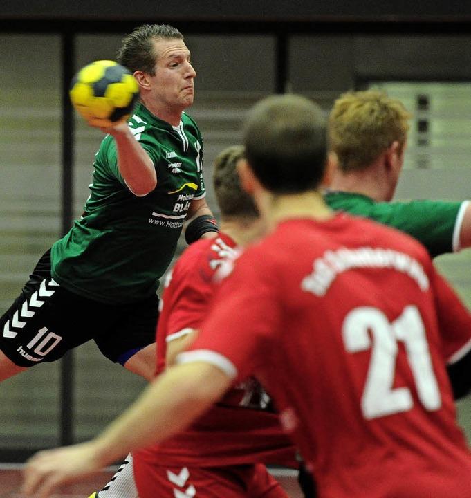 <BZ-FotoAnlauf>Bezirksklasse:</BZ-Foto... erzielte fünf Tore für seine Farben.   | Foto:  Pressebüro Schaller