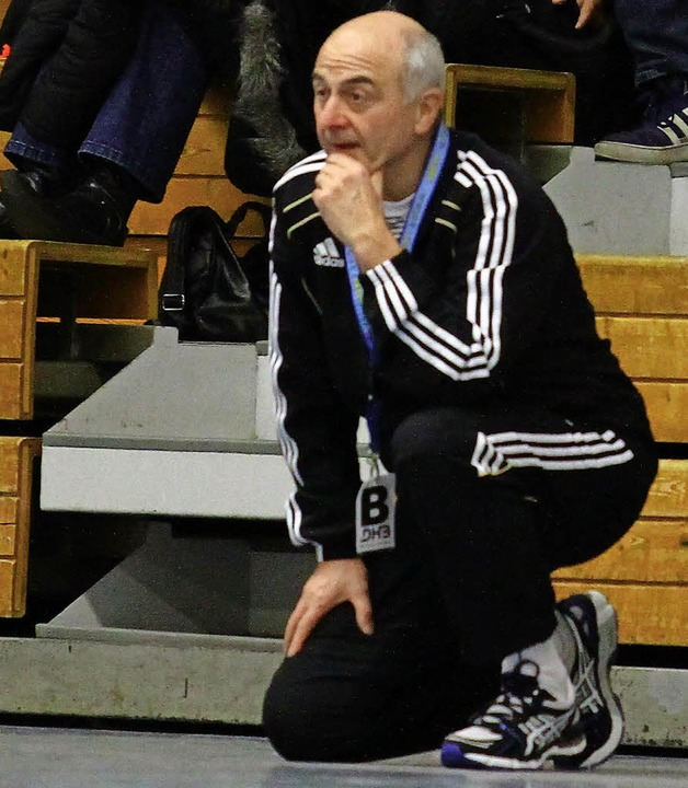 <BZ-FotoAnlauf>SÜDBADENLIGA:</BZ-FotoA...l auf die Trainerbank in Lahr zurück.   | Foto:  Aukthun