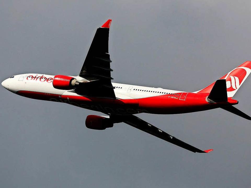 Im Flugzeug kann einem das Trommelfell platzen.    Foto: dpa