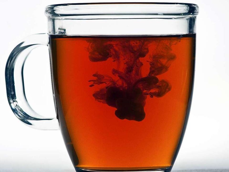 Eine Tasse Schwarztee ist für viele Menschen morgens unverzichtbar.  | Foto: Verwendung weltweit, usage worldwide