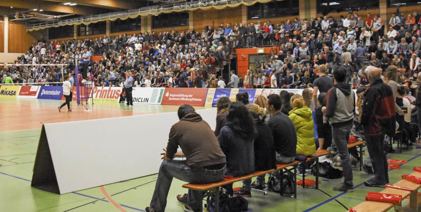 Das Ereignis Pokal mobilisiert in Offe...dwesthalle an ihre Kapazitätsgrenzen.     Foto: Sebastian Köhli