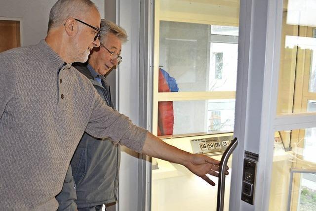 Neuer Aufzug in Adelsberg