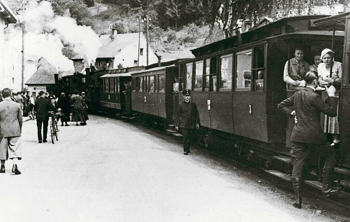 "Xaver Schwäbl stieg hier am Bahnhof Ze...ten Mal ins ""Todtnauerli"".  | Foto: Archiv Benno Dörflinger"