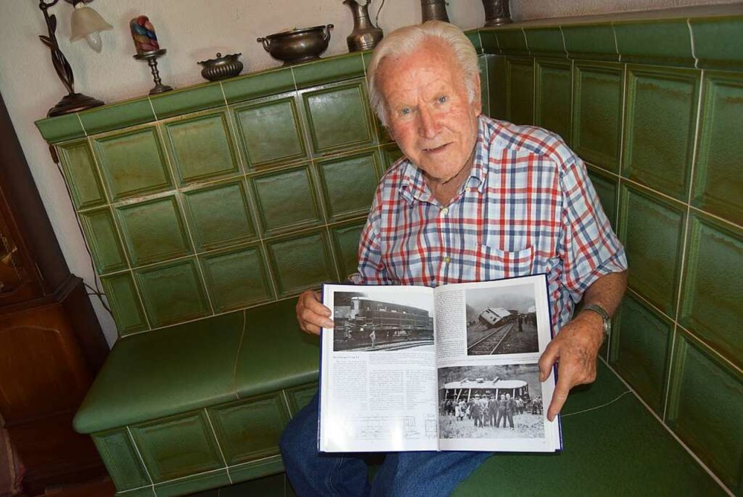 Erich Leberer hat sogar die Entgleisung des Triebwagens 1928 miterlebt.  | Foto: Ulrike Jäger
