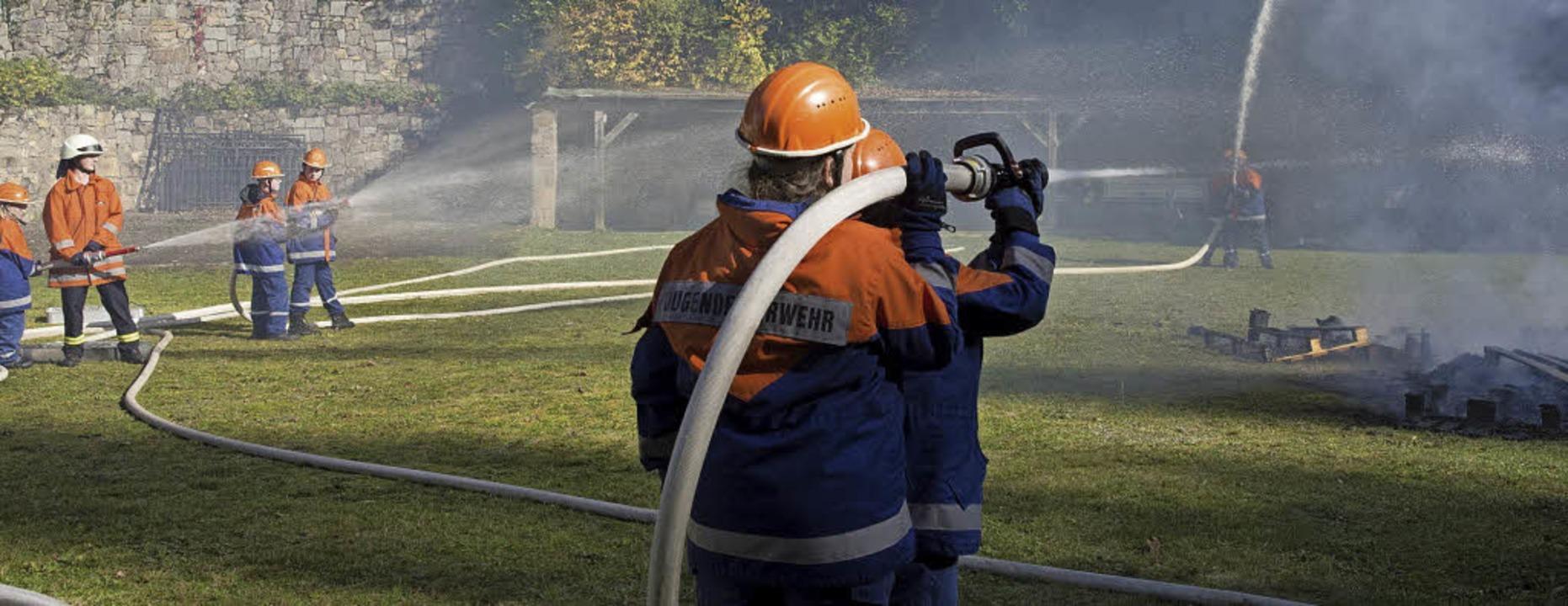 Krönung des 24-Stunden-Einsatzdienstes... Badenweiler war die Brandbekämpfung.     Foto: mps
