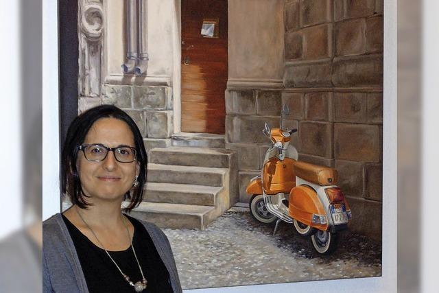 Elena Romanzin lädt zur Erläuterung ihrer Werke in die Bad Säckinger Villa Berberich