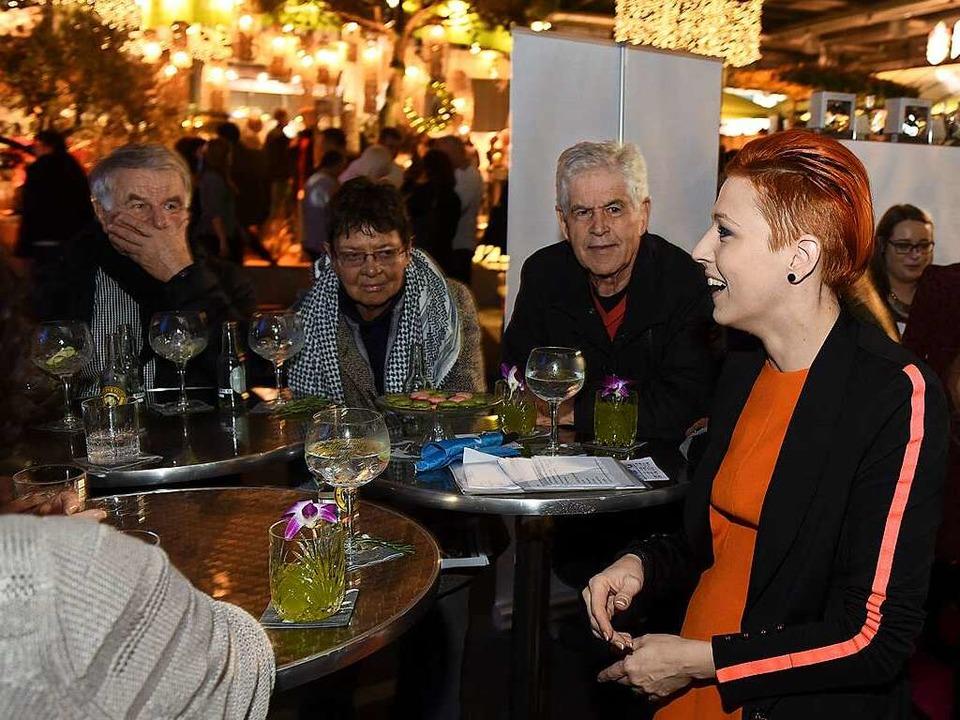 Starköchin Meta Hiltebrand im Gespräch mit BZ-Lesern  | Foto: Rita Eggstein