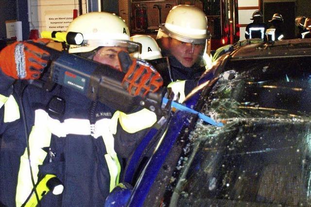 Feuerwehr übt im Lackierzentrum