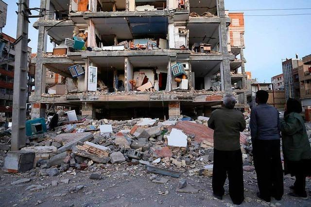 Rund 330 Tote und Tausende Verletzte nach Erdbeben zwischen Iran und Irak