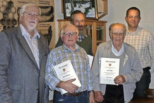 Imkerverein Freiburg ehrt langjährige Mitglieder