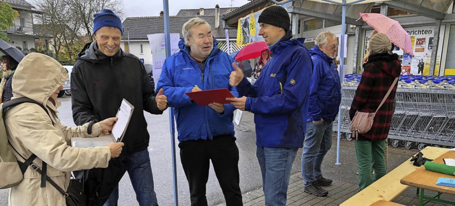 Sehr aufgeschlossen zeigten sich die S...die Listen der Bürgerinitiativen ein.   | Foto: Hans-Jürgen Hege