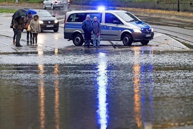 Das Herbstlaub sorgte für die Überflutungen beim Starkregen