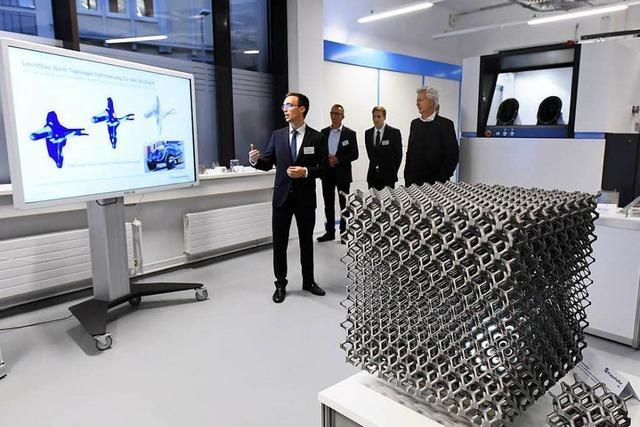 Ernst-Mach-Institut weiht Neubau in Freiburg ein