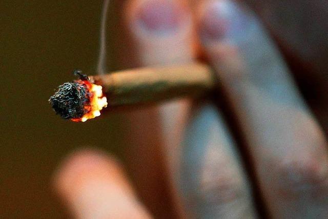 Polizei erwischt Marihuana-Konsumenten auf Waldspielplatz und beim Schulzentrum