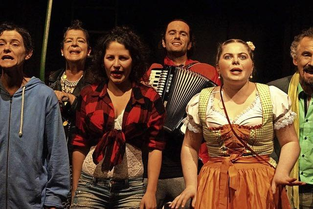 Theatergruppe Gut & Edel spielt