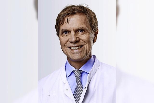 Hans-H. Osterhues referiert im Lörracher Kreiskrankenhaus über die chronische Herzschwäche