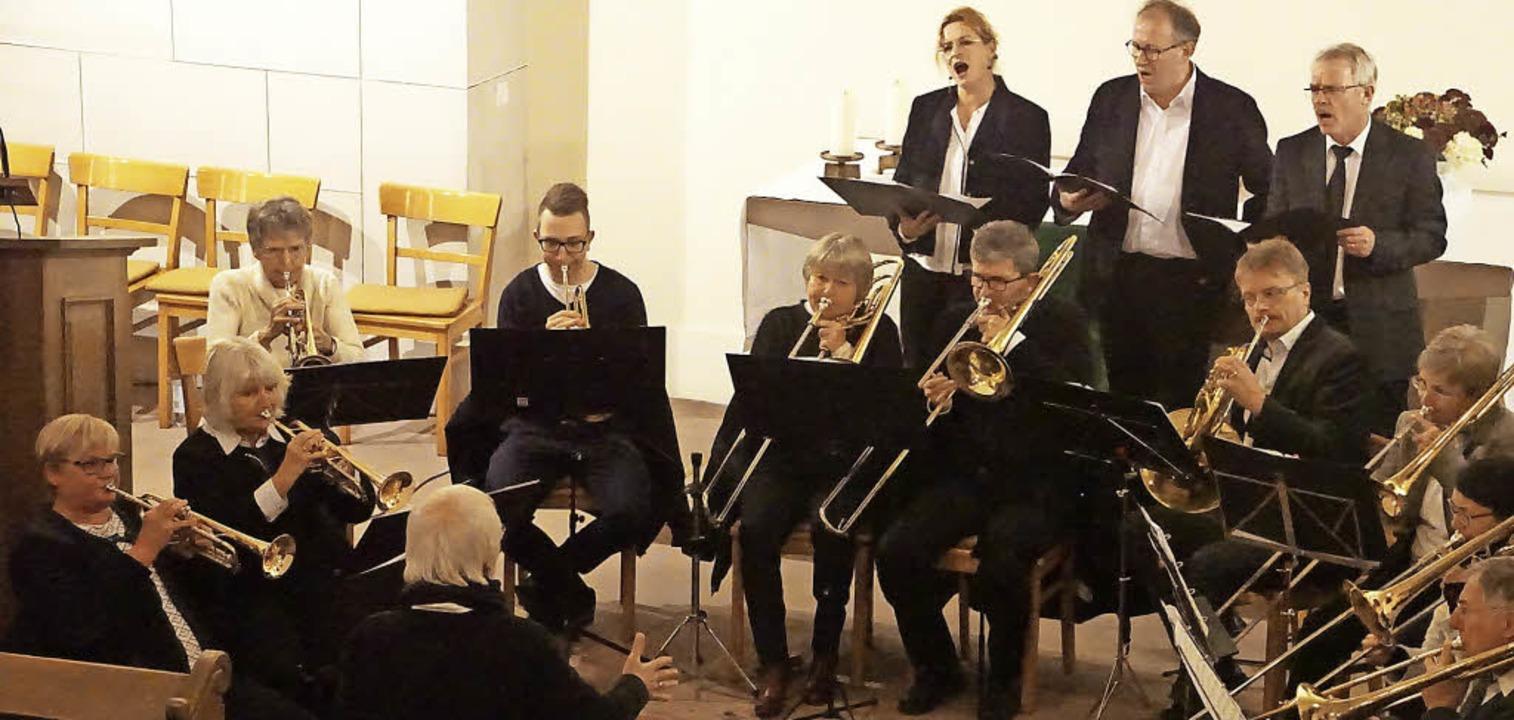 Der Posaunenchor Kenzingen gab am Woch...danken zur Reformation im Mittelpunkt.  | Foto: Ilona Hüge