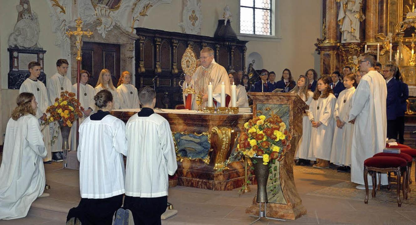Der Festgottesdienst zum Patrozinium i...e von Pfarrer Rémi Purzeau zelebriert.    Foto: Jürgen Schweizer