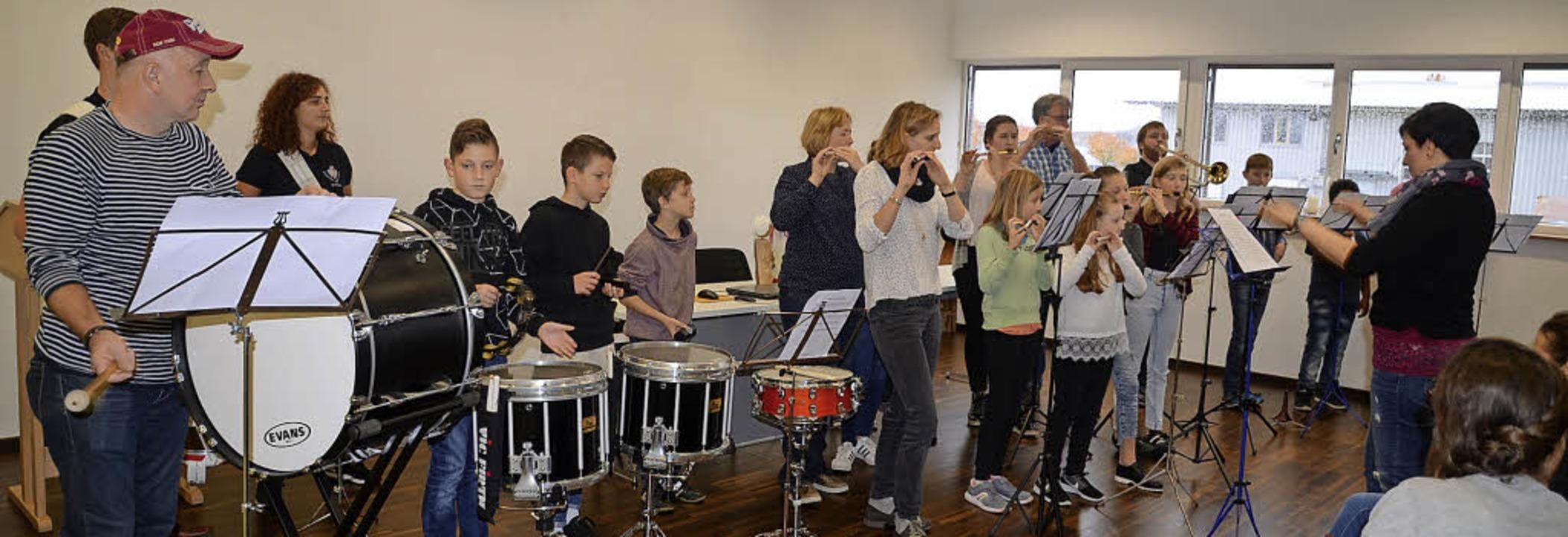 Endingen. Die Jungmusiker beim gemeinsamen Abschlussstück.    Foto: Roland Vitt