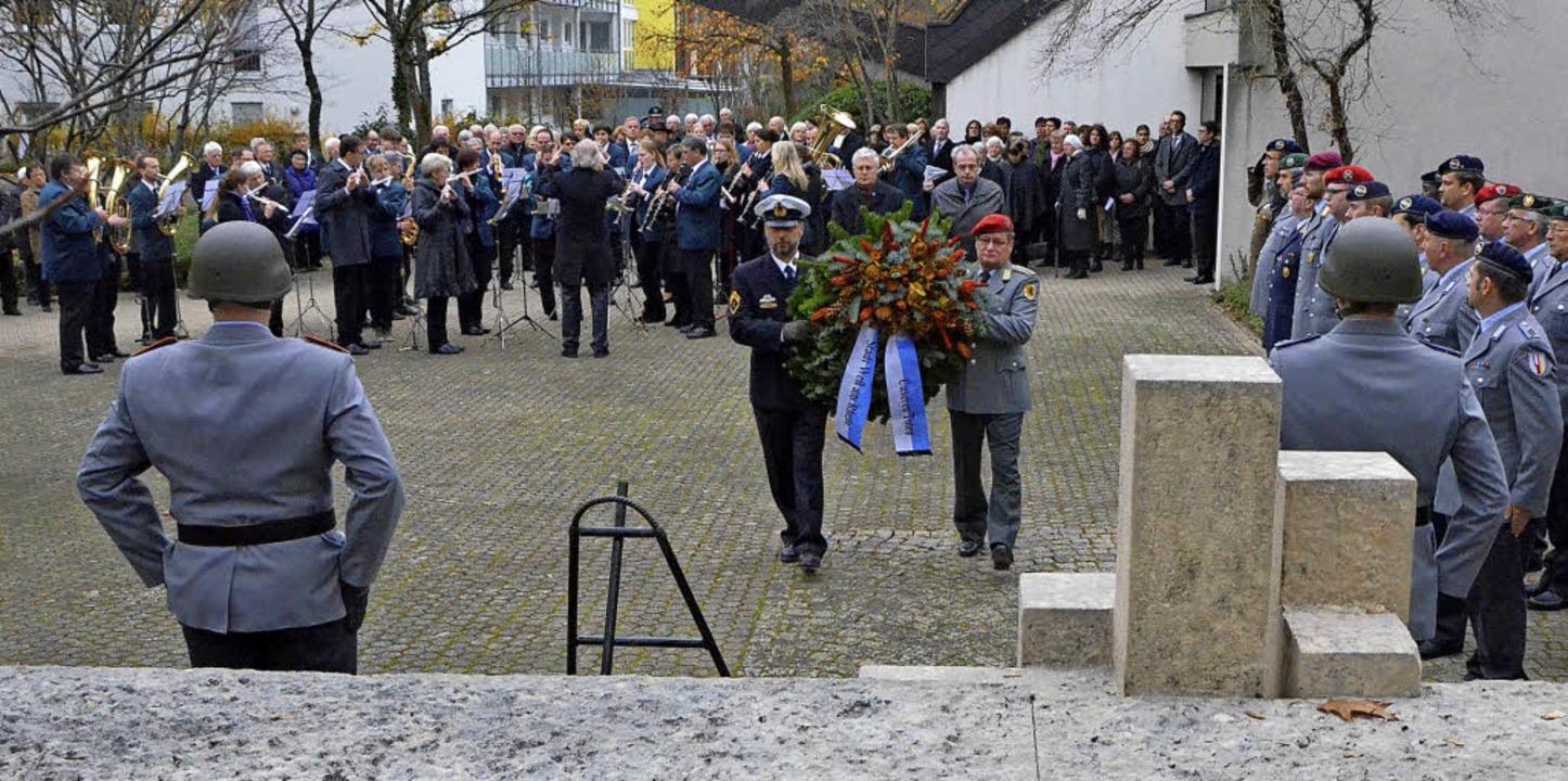 Erstmals bringen sich am Sonntag Gemeinschaftsschüler in die Gedenkfeier ein.     Foto: Archivfoto: Senf