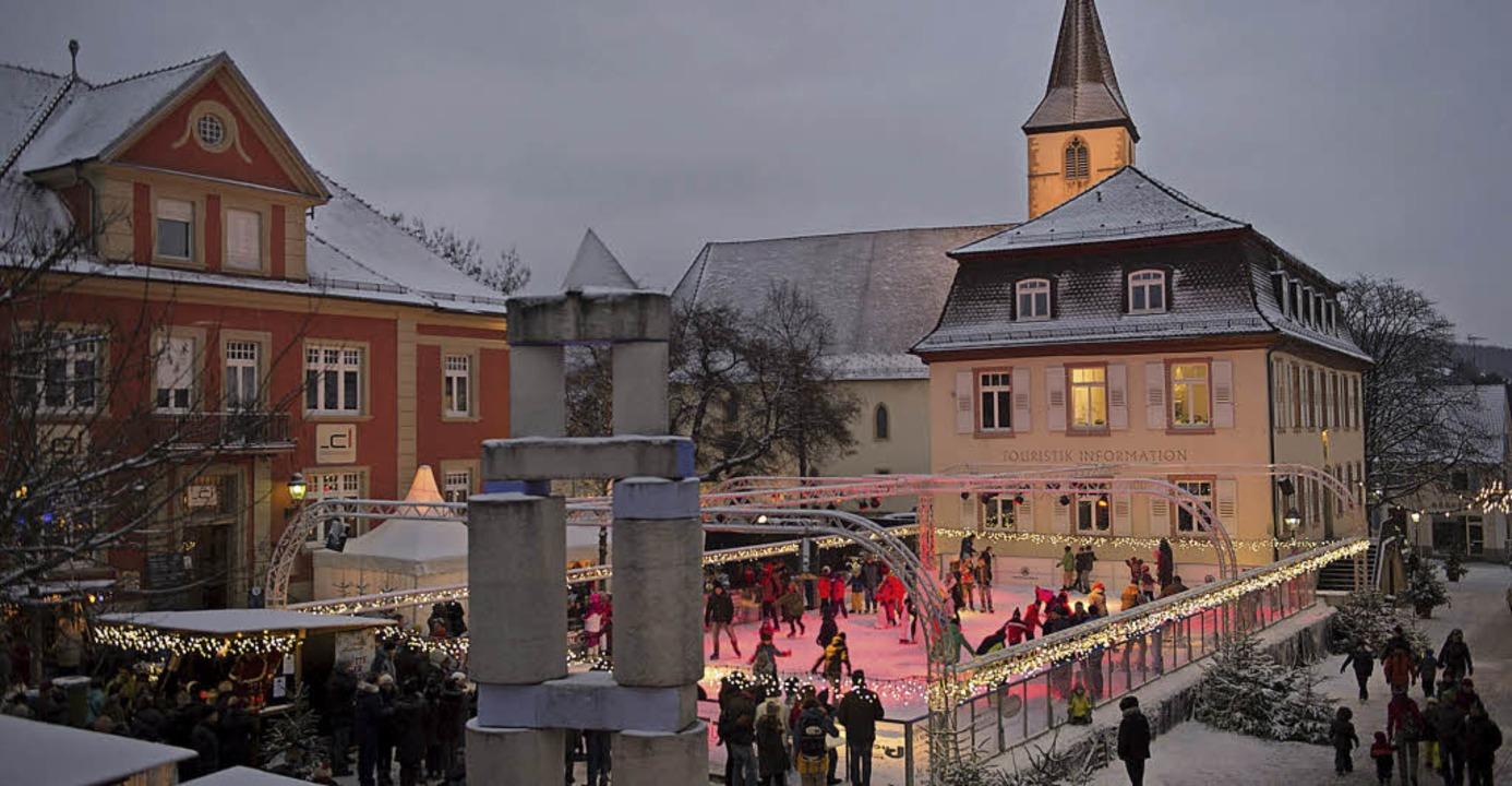 Eine positive Resonanz zogen die Veranstalter zur Müllheimer Eisbahn.   | Foto: volker münch