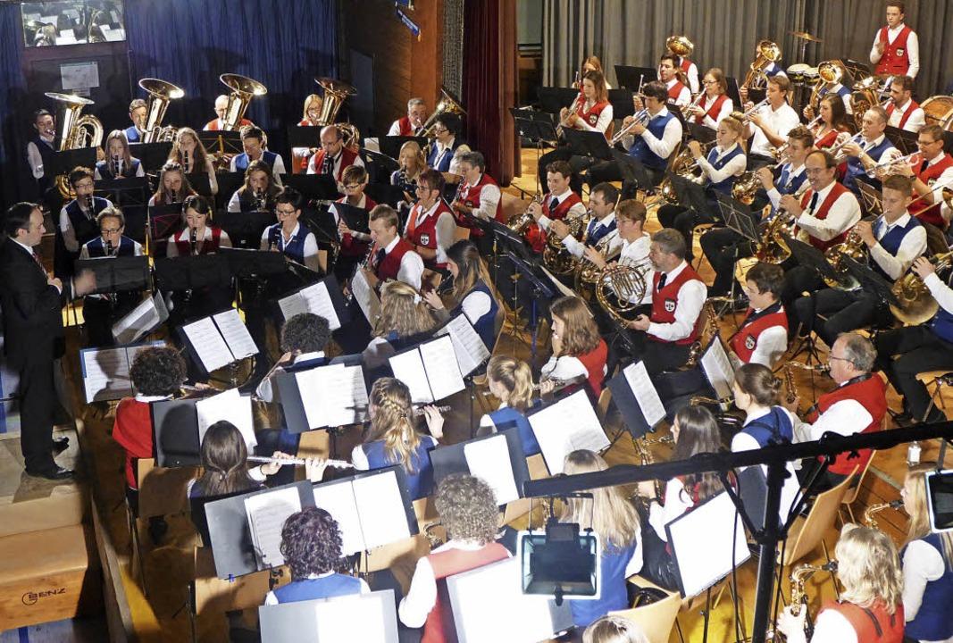 Musikalische Reiseerinnerungen: Konzer...Musikvereins Wolfenweiler-Schallstadt     Foto: Anne Freyer