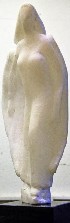 """Paolo Pinnas Skulptur """"Schutzeng...hte. Sie stellt einen Schutzengel dar.    Foto: Barbara Ruda"""