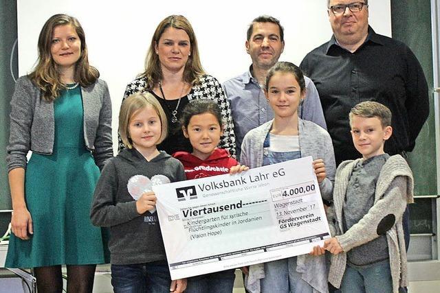 Grundschule spendet 4000 Euro für guten Zweck