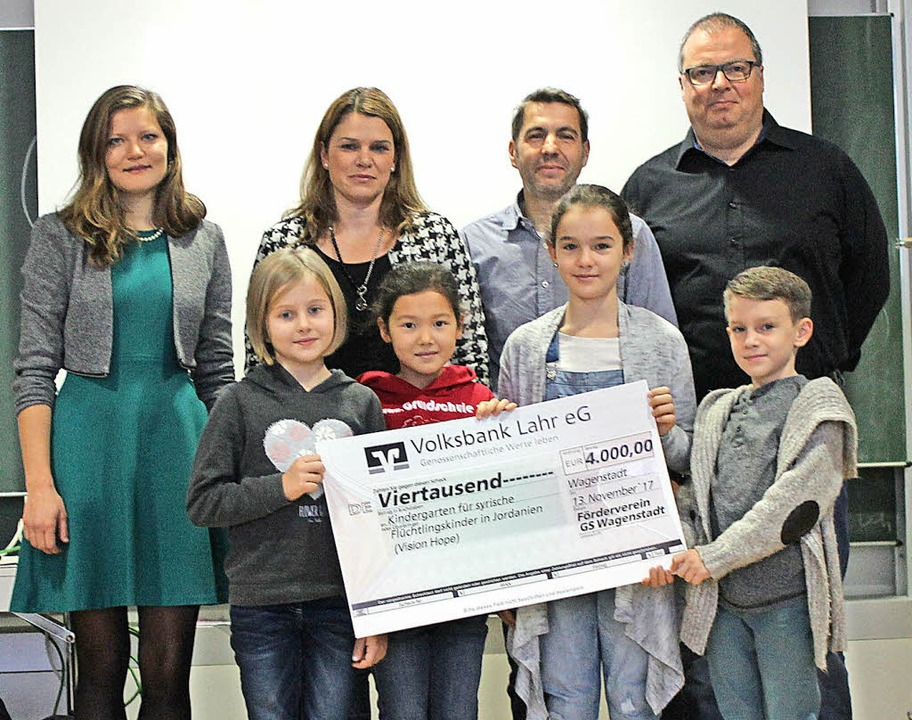Spendenübergabe in der Johann-Peter-Hebel-Grundschule   | Foto: Winter