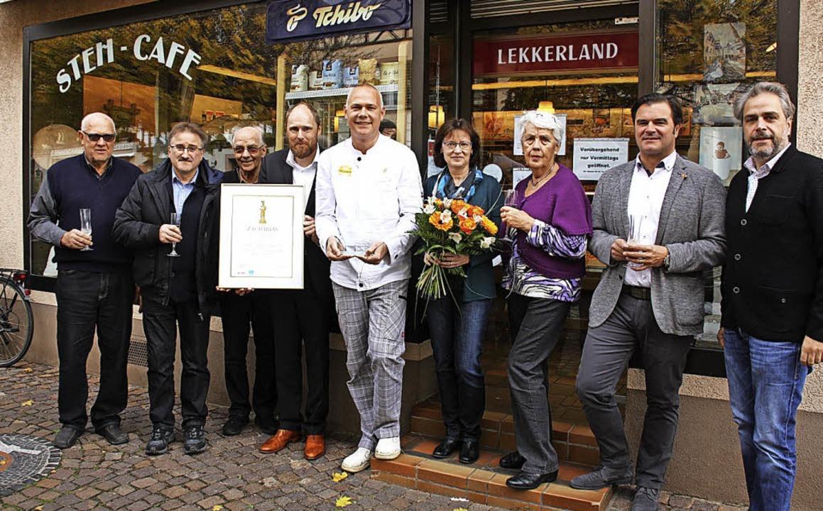 Bäckermeister Matthias Schwehr (Mitte)...g des Zacharias-Kommunikationspreises.  | Foto: Christiane Franz