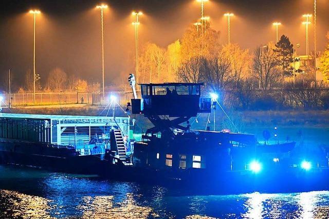 Schiff mit Atommüll erreicht Zwischenlager am Neckar