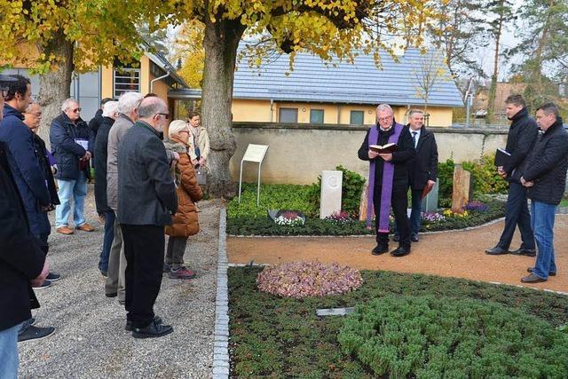 Gärtnergepflegtes Gräberfeld eingeweiht