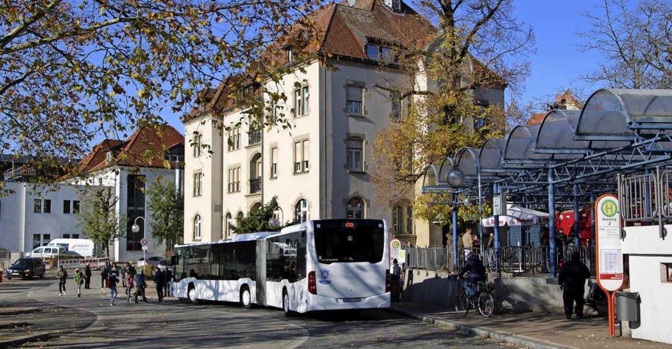 Der Waldshuter Busbahnhof ist seit Jah...ei dort ihre Kontrollen intensiviert.   | Foto: Biedenkapp