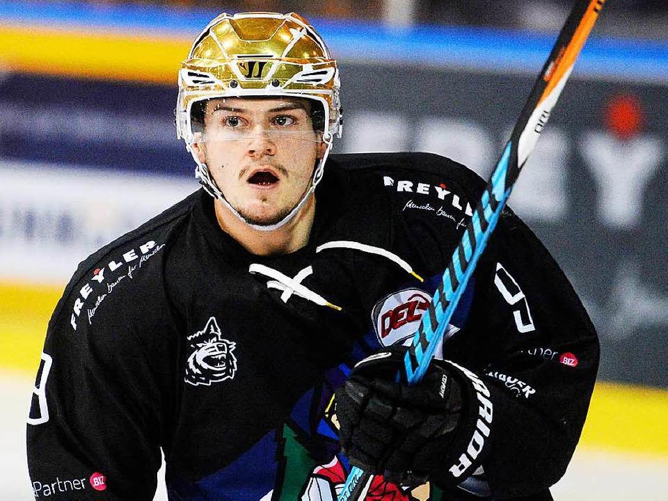 Niko Linsenmaier bleibt über die gesamte Saison ein Wolf.   | Foto: Seeger