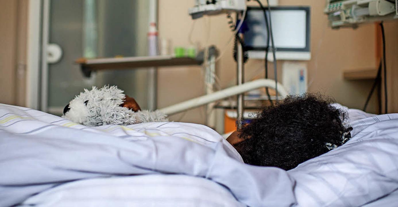 Genitalverstümmelung geht für die Frau...k hat, dem wird medizinisch geholfen.     Foto: Wolfram Kastl/dpa