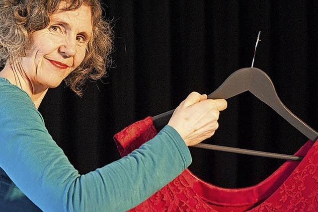 Das rote Kleid im Kesselhaus