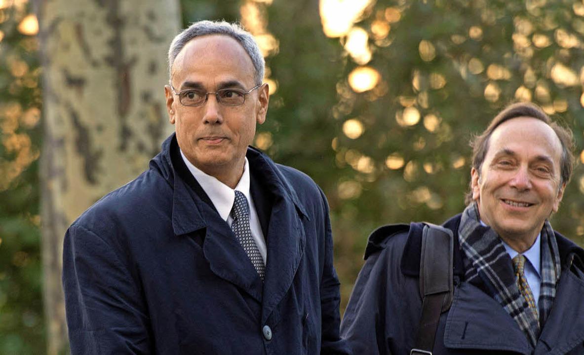 Manuel Burga (links), einst Präsident ...ls gekratzt, wie sein Anwalt beteuert?  | Foto: AFP