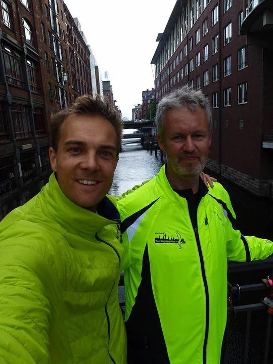 Selfie mit dem Stadtführer Gösta Dreise (rechts)  | Foto: Engel