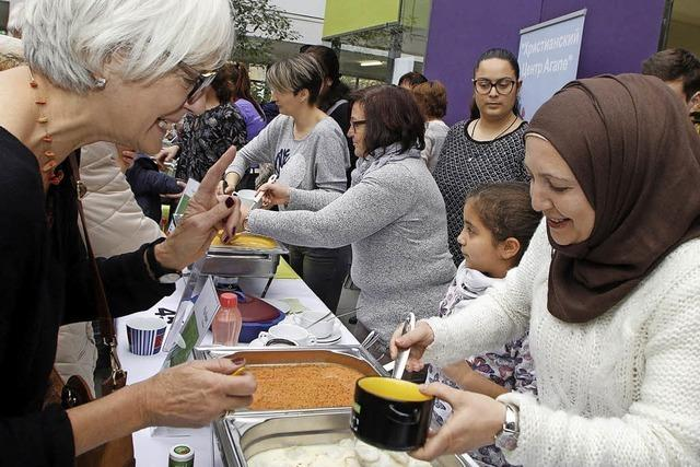 Beim internationalen Suppenfest gab es 50 Suppen aus 15 Nationen