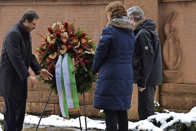 Gedenken der Verstorbenen, Aufruf an die Lebenden