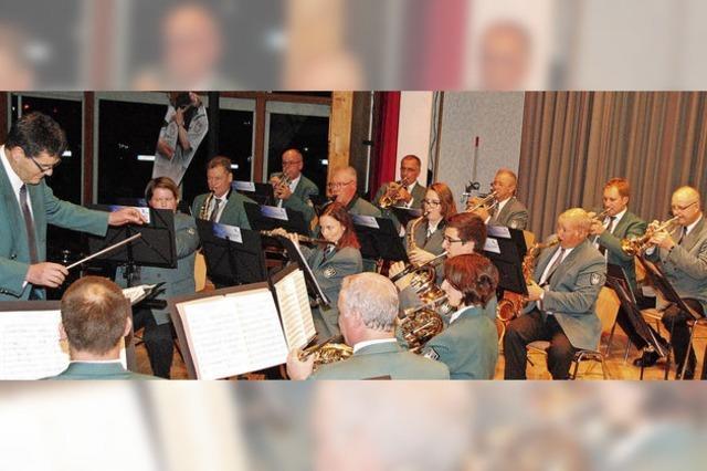 Zollkapelle feiert ihr Jubiläum mit einem glanzvollen Doppelkonzert