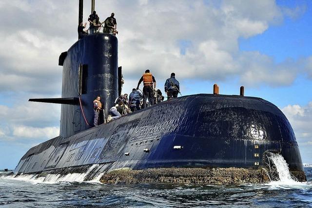 Besatzung eines verschollenen U-Boots vermisst