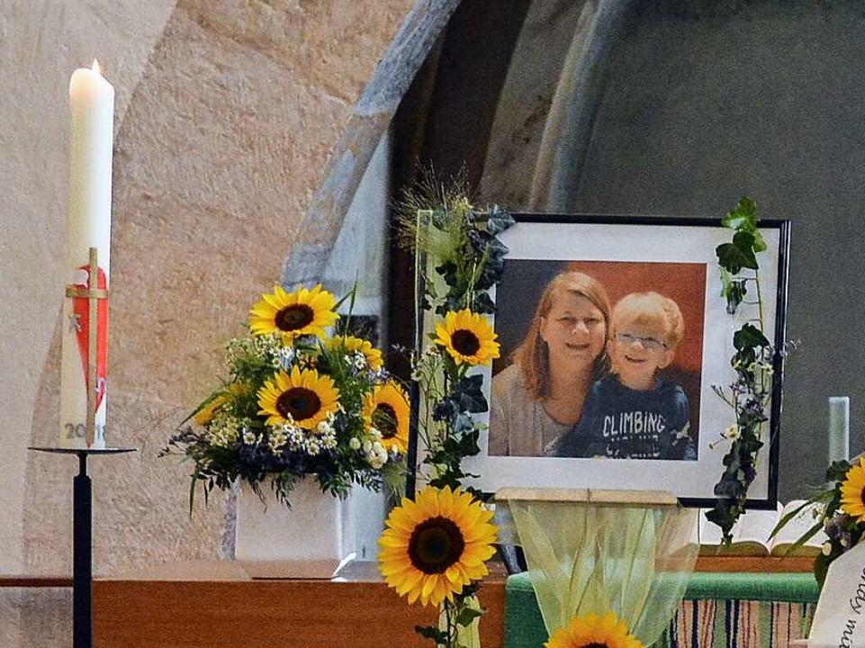 Letzte Erinnerung an Anne M. und Noah bei der Trauerfeier  | Foto: Benedikt Sommer