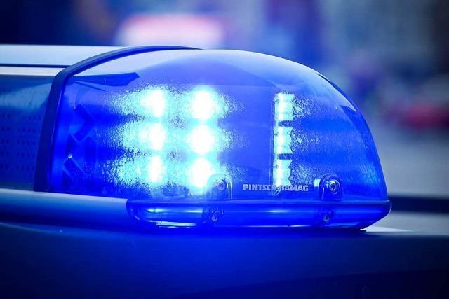 37-Jähriger fährt betrunken Auto und beschädigt mehrere Fahrzeuge