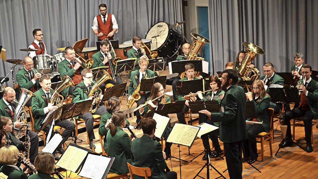 Rhythmisch ging es zu beim Jahreskonzert des Musikvereins Rötenbach.   | Foto: Liane Schilling